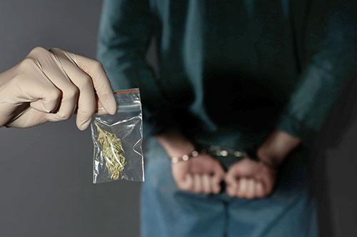 逮捕 マリファナ